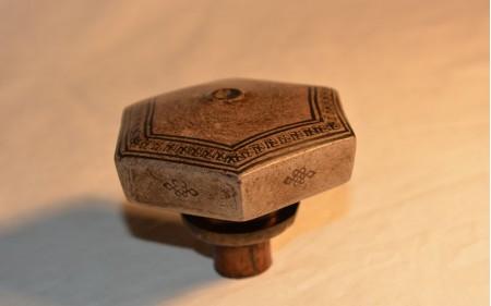 18 Hexagonal Yxing damper with geometric design 1880