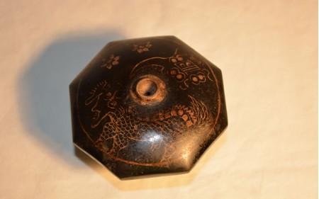 10 Black octogonal Yxing damper with dragon design1890