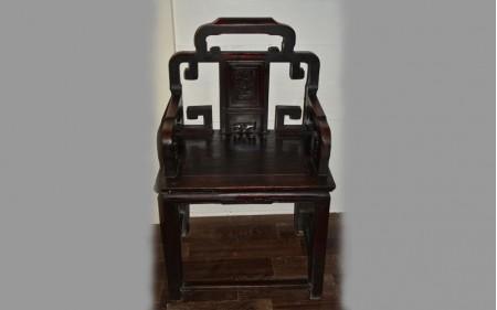 12. A mandarin chair in ebony Qing dynasty