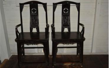 6. A pair of ebony mandarin chairs from Shangai region Qing dynasty
